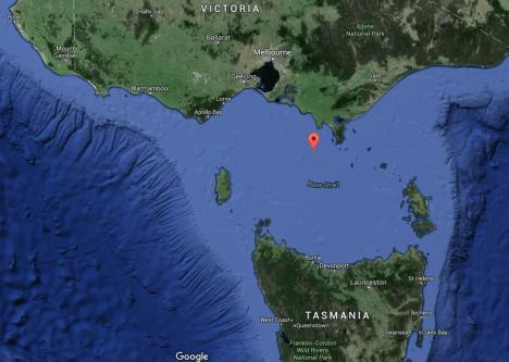 Úžina mezi Austrálií a Tasmánií nazývaná Bassův průliv má na délku asi 350 kilometrů a šířku 200 kilometrů. Průměrná hloubka tu však dosahuje pouhých 50 metrů.