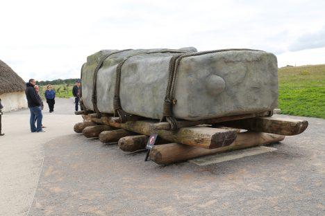 Kameny pro Stonehenge byly na Salisburské pláně přepravovány po trase dlouhé celých 290 kilometrů.