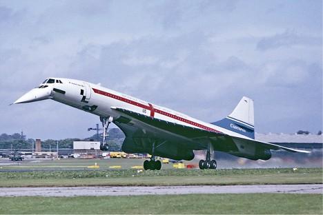 Legendární nadzvukový dopravní stroj Concorde byl ze služby vyřazen v roce 2003