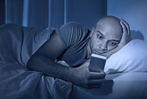 Podle odborníků 30–40 % dospělých trpí alespoň jednou v průběhu roku nespavostí, 10 až 15 % pak trpí chronickou nespavostí.