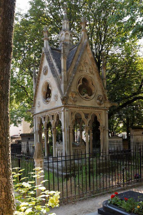 Hrob Abélarda a Heloisy na pařížském hřbitově Péra Lachasie.