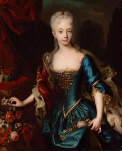 Jako mladá dívka se Marie Terezie do svého budoucího manžela bláznivě zamiluje.
