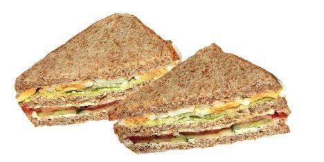 Jednoduchý, ale geniální pokrm. Naplněné dva chleby dobudou i Ameriku.