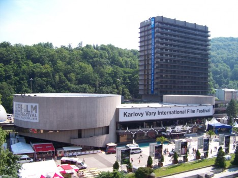 Karlovy_Vary,_Thermal,_před_IFF_2010_(01)