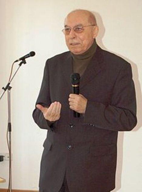 File source: http://commons.wikimedia.org/wiki/File:Kopie_(2)_-_DSC_0718.JPG