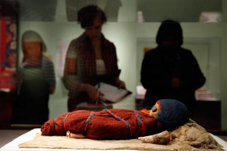 Mrtvý novorozenec měl dudlík vyrobený z ovčího vemene.