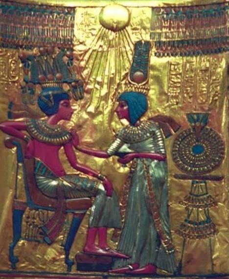 Muž a žena měli v určité egyptské společenské vrstvě prakticky rovnoprávné postavení.