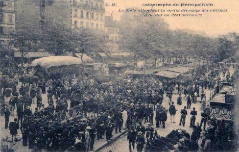 Paris_-_Catastrophe_du_Metropolitain_station_Couronnes