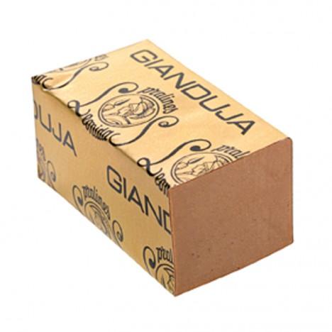 Pomazánka dodávaná v cihličkách dostane jméno Gianduja.