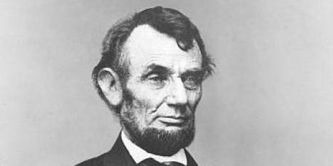 Pravidelně se Den díkůvzdání slaví od roku 1863, kdy jej zavede prezident Abraham Lincoln.