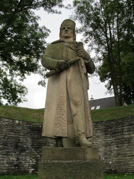 Socha Antonína Nývlta, dědičného rychtáře ve Rtyni u Náchoda. Právě on sebral odvahu a postavil se do čela selské rady.
