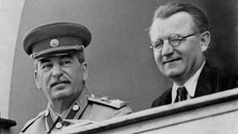 Sovětského vůdce Josifa Vissarionoviše Stalina se Klement Gottwald bojí.