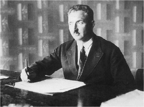 Spoustu času stráví valašský Edison ve své kanceláři. Tady vznikají jeho patenty.