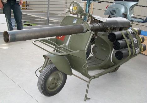 Střelba z kanónu na motorce se ukázala jako velice nepřesná. K obsluze zbraně bylo navíc zapotřebí nejméně 2 mužů, neboť munice musela být přepravována zvlášť.