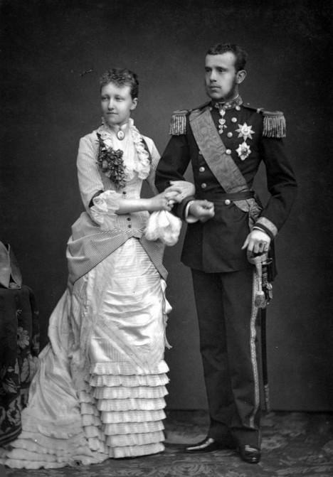 Svatba Štěpánky a korunního prince Rudolfa. Zatím všechno ještě vypadá růžově.
