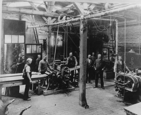 Továrna na výrobu gramofonů v německém Hannoveru. Berliner má výrobní závody také v USA a Velké Británii.