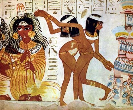 Výrazné černé oční linky vidíme i na mnoha freskách znázorňujících společenský život dávných Egypťanek.