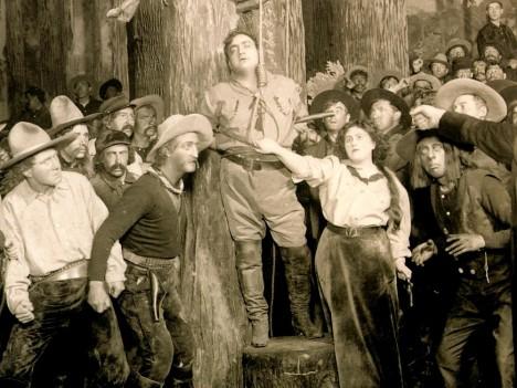 V roce 1910 zazáří Enrico Caruso s Emou Destinnovou na světové premiéře Pucciniho opery La Fanciulla del West.