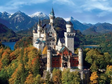 Zámek Neuschwanstein vypadá jako vystřižený z romantické pohádky.