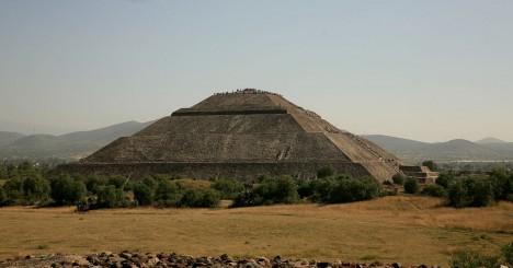 Zvláštní místo s mystickou atmosférou. Tak se většinou mluví o zbytcích města Teotihuacán.