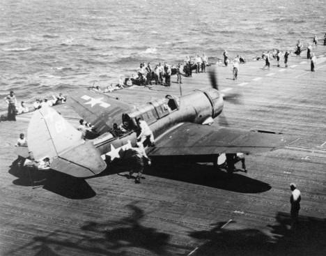Američané startují, aby zaútočili na japonský Střední svaz. Donutí jej k ústupu, ale Japonci se přesto rozhodli znovu zaútočit.