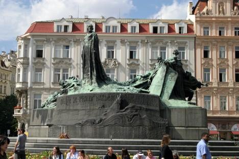 Pomník mistra Jana Husa na Staroměstském náměstí.