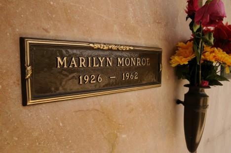 marilyn.monroe.grave