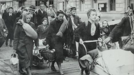 Odsun sudetských Němců. Druhý československý prezident žádá jejich potrestání za hrůzy nacismu.