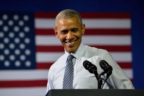 Barack Obama - jeden z mnoha levorukých amerických prezidentů.