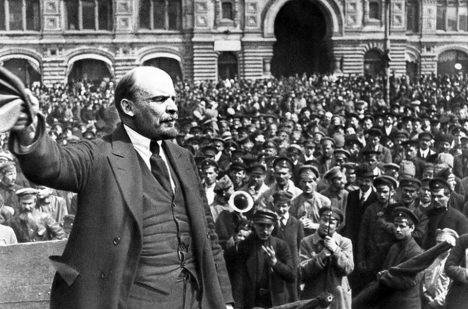 Lenin v čele revoluce.