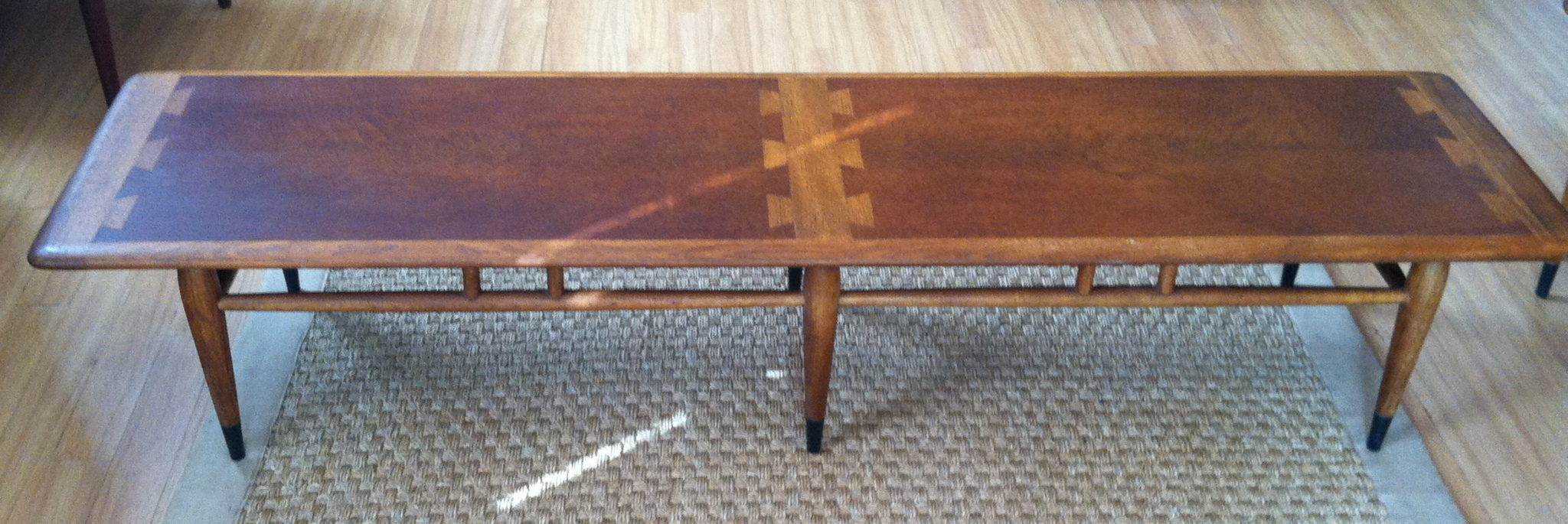 Lane-acclaim-bench-cocktail-coffee-table