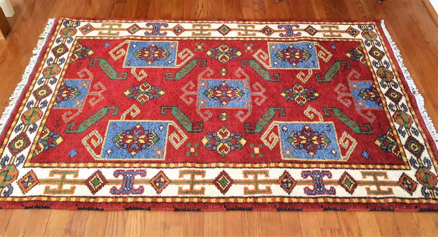 Vibrant Hand Knotted Indian Throw Rug In Crimson