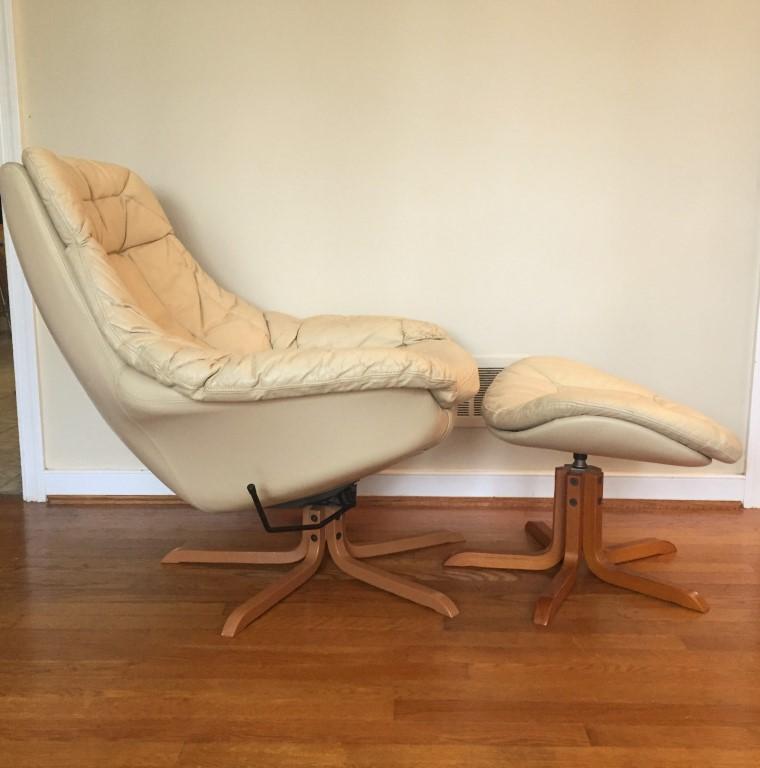 mid-century-modern-leather-lounge-chair-ottoman-HW-Klein