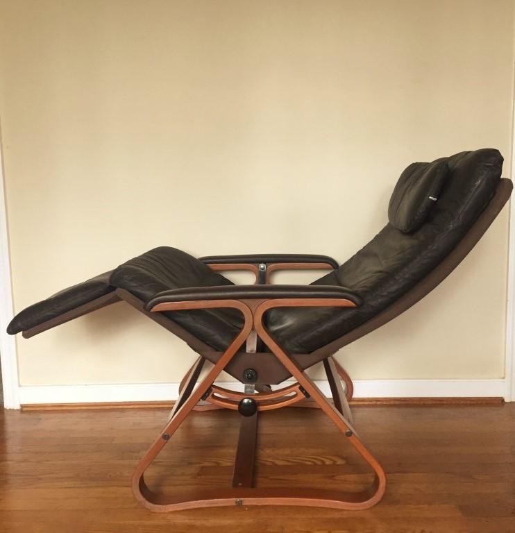 Zero Gravity Lounge Chair by Plycraft - EPOCH