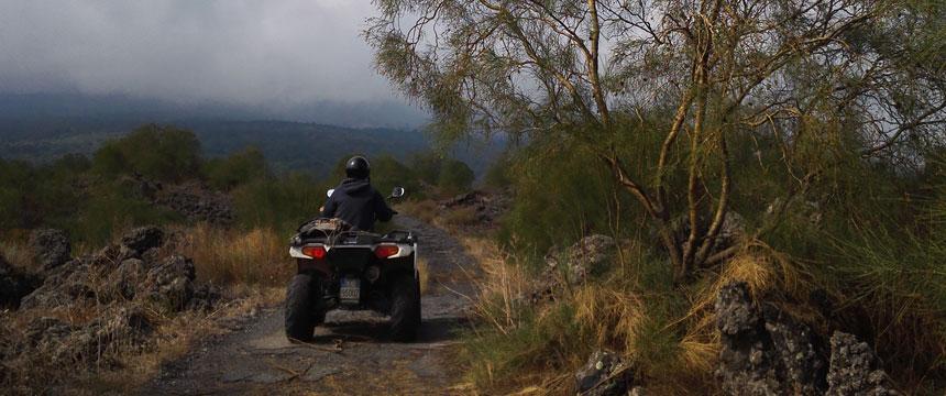 Escursione in quad sull'Etna: dal vulcano alle Gole dell'Alcantara