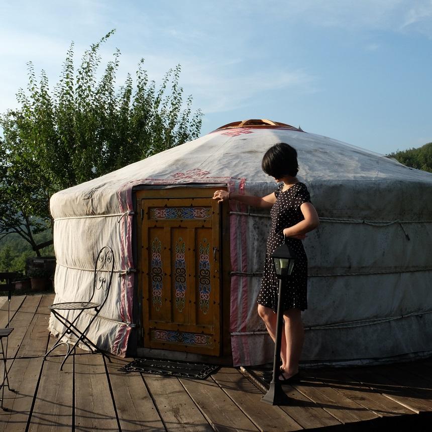 dormire-yurta-ingresso