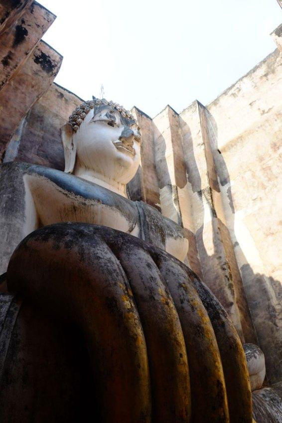 sukhothai-buddha-gigante