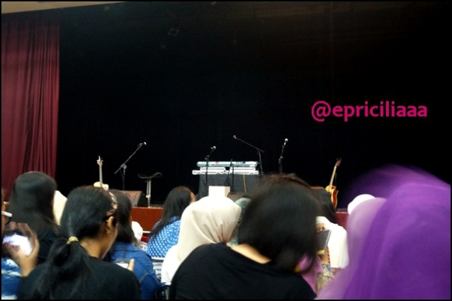 F.Y.I on stage with Lunafly, Jakarta, March 28th 2013 - Stage.