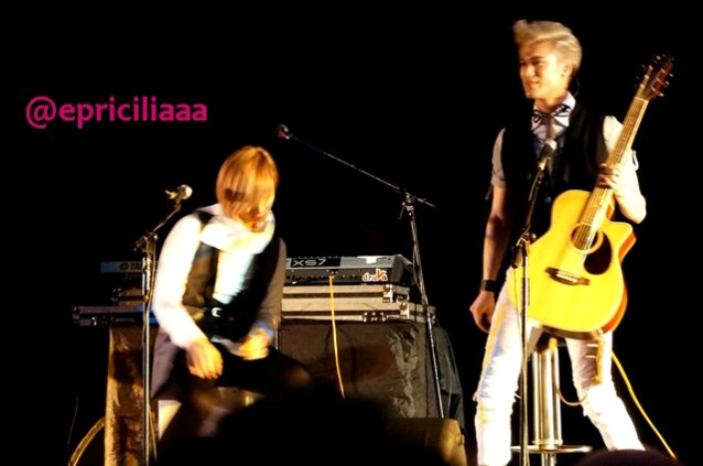 F.Y.I on stage with Lunafly, Jakarta, March 28th 2013 - Preparing Teo and Sam.
