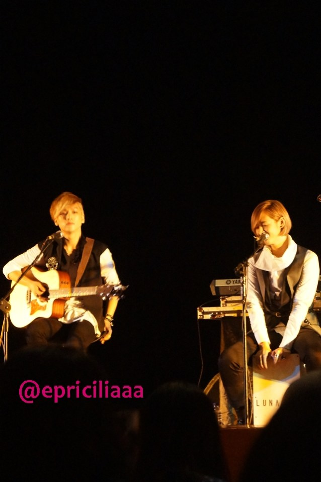 F.Y.I on stage with Lunafly, Jakarta, March 28th 2013 - Ma baby Yun and Ma Sweetheart Teo.