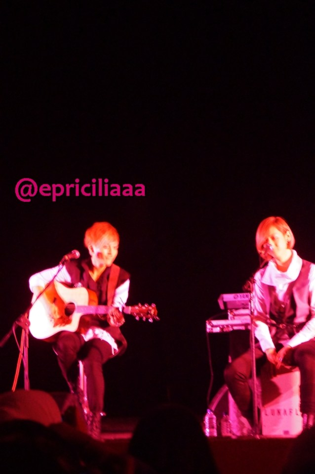 F.Y.I on stage with Lunafly, Jakarta, March 28th 2013 - Baby Yun and Teo.