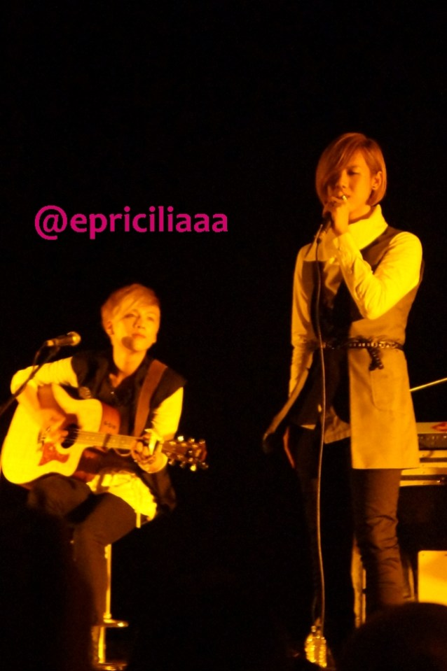 F.Y.I on stage with Lunafly, Jakarta, March 28th 2013 - Teo uuuuuuh kisseu.