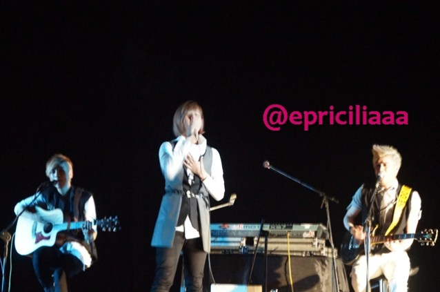 F.Y.I on stage with Lunafly, Jakarta, March 28th 2013 - Teo Teo Teo.
