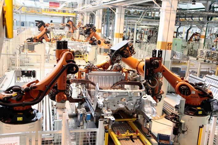 linha de montagem saveiro - Indústria automotiva passa pelas maiores transformações das últimas décadas