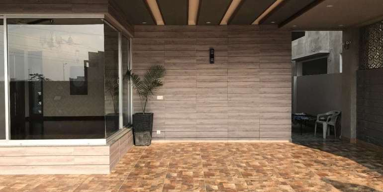 1 Kanal Home for sale in Sector F Phase 6 Lahore # 13 (21)