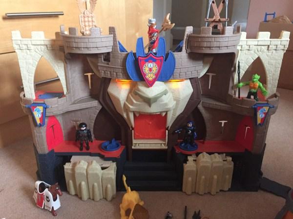 Fisher Imaginext Lion' Den Knight Castle #