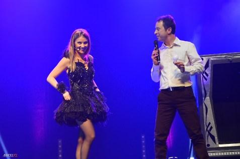 Avec Caroline Marx lors de la cérémonie d'ouverture du championnat de France de Magie au théâtre de Besançon en octobre 2015