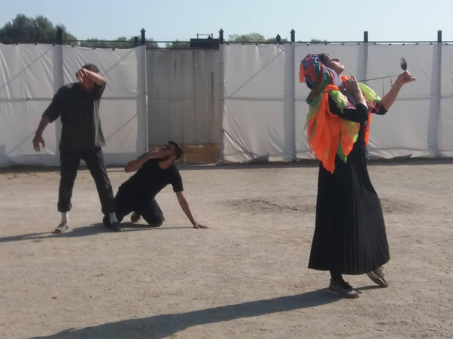 Ολύμπια εν Δίω - Στιγμιότυπα από την παράσταση Όρνιθες του Αριστοφάνη από την Σχολή Καλών Τεχνών του Ιράν