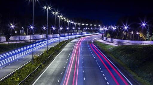 Με ΣΔΙΤ η αναβάθμιση του ηλεκτροφωτισμού στους δρόμους της Περιφέρειας Κεντρικής Μακεδονίας