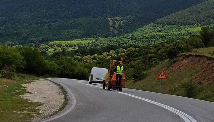 Παρεμβάσεις διαγράμμισης από την Π.Ε. Πιερίας στο οδικό δίκτυο αρμοδιότητάς της